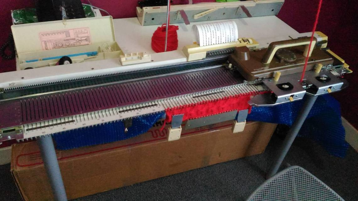 SilverReed_sk155_knitting_machine_.jpg